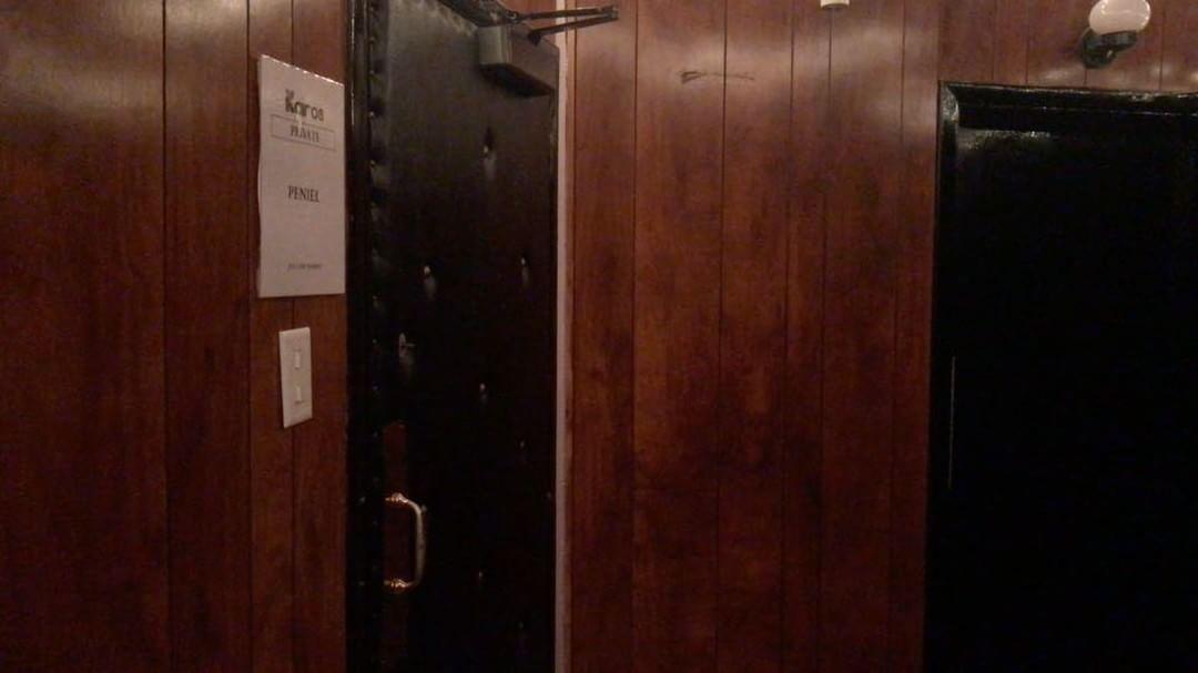 [分享]170622 正在为自己的solo曲拍摄自制MV的PENIEL 演技棒棒哒!