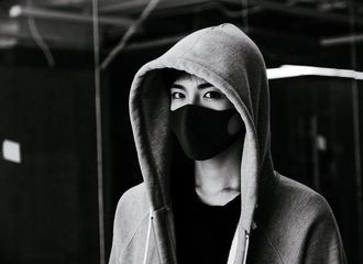 [新闻]170613 侯明昊新单曲《脸谱》上线 诠释内心的脆弱