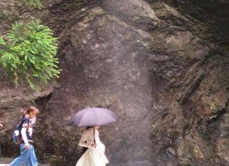 [分享]170703 热巴美颜配伞逸仙气,爱丽丝们不要过度舔屏了