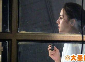 [新闻]170830 迪丽热巴白色t恤再登镜头 绝美侧颜惹人瞩目