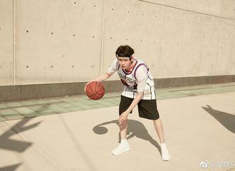 [分享]180411 侯明昊街头篮球写真回顾 享受肆意运动青春