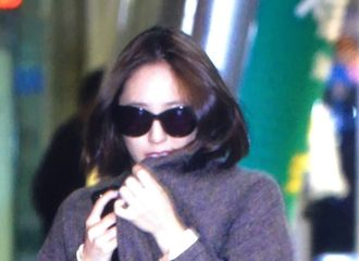 [分享]171021 看起来就很冷 郑秀晶深夜抵达韩国