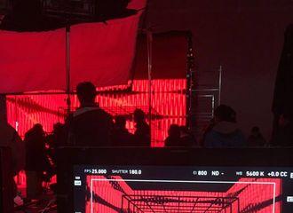 [新闻]180120 马天宇疑将代言《剑侠世界2》 制作人亲放拍摄现场图