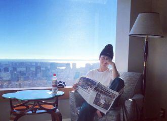 """[新闻]180316 你""""消失""""的大宝贝徐海乔寄回两张照片 旅游疑似越走越远?"""