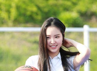 """[新闻]180425 窒息的美貌!娜恩出席运动品牌活动变身""""篮球女神"""""""
