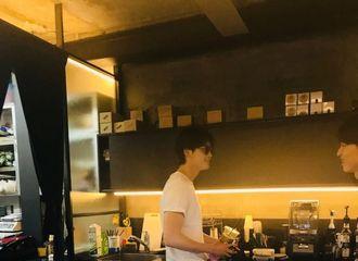 [分享]180622 破案了破案了 原来李钟硕最近都是呆在咖啡厅的吗?