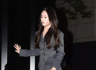[新闻]180622 郑秀晶出席CHANEL品牌活动 冷艳的香奈儿女孩!