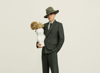 [分享]210305 李易峰《风度》内页大片回顾 演绎简洁时髦的雅痞时尚