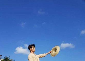 [新闻]180712 月底将入伍!李正信姜敏赫峇里岛享受阳光海滩