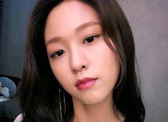 [新闻]180919 电影上映心情难免激动 网瘾少女雪炫凌晨留言