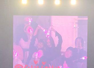 [分享]181021 追星界人生赢家2.0 孝渊-徐贤演唱会现场被偶像泰妍cue到了!