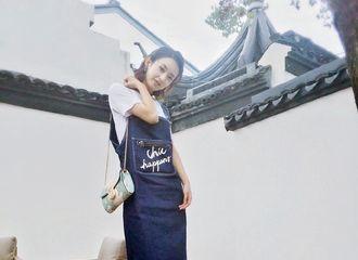 [新闻]181215 品牌方分享赵丽颖新全身照  林浅萌妹御姐属性切换自如