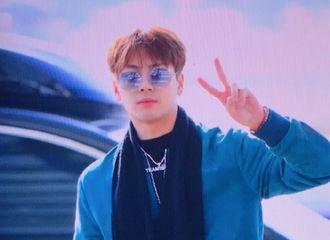[分享]181217 王嘉尔现身仁川机场 赴杭州录制综艺节目