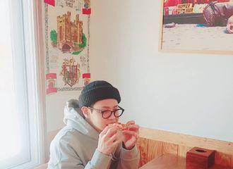 [分享]190120 高颜值一家人 姐姐晒与梁耀燮合照同吃下午茶