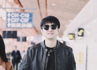 [新闻]190221 金瀚现身机场前往重庆 今日份的帅气也营业了