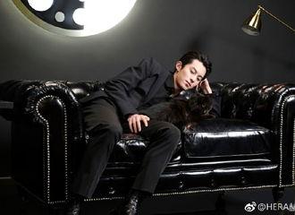 [分享]190223 品牌释王鹤棣代言花絮图 总裁范儿的他你爱吗?