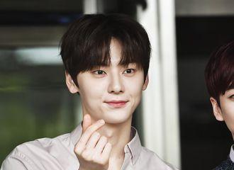 [新闻]190423 黄旼炫确定出击tvN综艺《惊人的星期六》