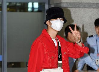 [新闻]190526 WINNER今日上午返回韩国,男模团非比寻常的机场路