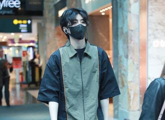 [分享]190716 蔡徐坤工装裤穿搭合集 可盐可甜硬朗又不失细腻感