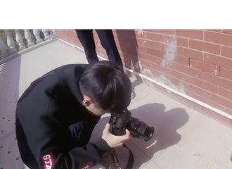[分享]190615 王俊凯独特拍照姿势出炉 为了拍照也是拼了