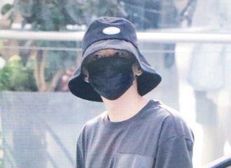 [Super Junior][新闻]190811 哥哥拜拜~李赫宰今日深圳宝安机场出发要返回韩国惹