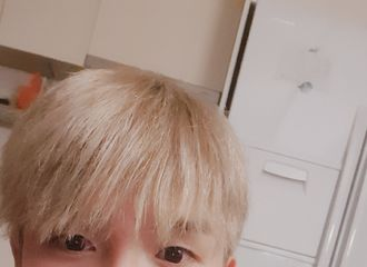 [Super Junior][分享]190815 金厉旭新发色公开 金发小萌散发贵族般的气质