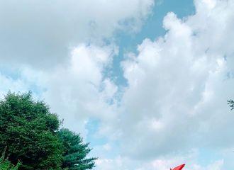 """[新闻]190819 防弹少年团金南俊,在美术馆中享受假期""""休闲日常"""""""