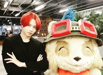 [Super Junior][分享]190830 回归之际金希澈完美消化红发 展示雕塑般的视觉效果