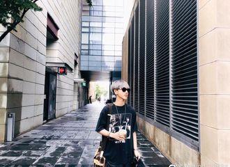 [Super Junior][分享]190831 艺声充满时尚感的街拍大片出炉 今天份的心动男孩