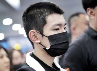 [TFBOYS][新闻]190903 王源现身机场出国游学,粉丝许下等待的约定