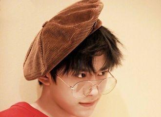 [TFBOYS][新闻]190904 易烊千玺贝雷帽合集,不愧是站在时尚尖端的男人