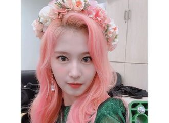 "[TWICE][分享]191006 SANA,粉色头发也完美消化""用美貌做到了一切"""