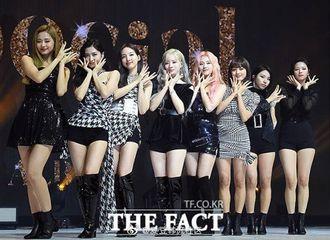 [TWICE][新闻]191012 TWICE今年Gaon榜专辑销量合计超75万张 成为女团销量一位!