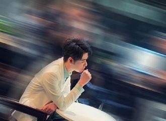 [新闻]201025 去年今日|张云雷更博营业 晒帅照的同时不忘调侃粉丝