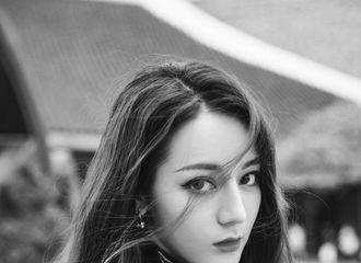 [迪丽热巴][新闻]191031 迪丽热巴即将亮相LV首尔女装秀秀场 酷感造型精致有型