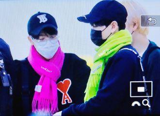 [Super Junior][新闻]191031 今天份新鲜的赫海糖 两人戴上同款情侣围巾