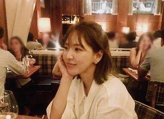 """[Red Velvet][新闻]191207 Wendy终于开通个人INS账号!""""心动满满的女友照"""""""