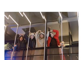 [Red Velvet][必威betway]191207 去年圣诞节的照片现在公开?琳裴裴手机里到底有多少存货!