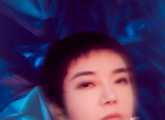 [华晨宇][新闻]191215 华晨宇咪咕汇音乐盛典造型大片 蓝色梦幻宇宙中的樱花少年