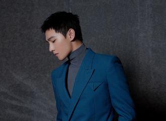 [杨洋][新闻]191218 杨洋蓝色西装出席《急先锋》发布会 寸头发型彰显绅士品格