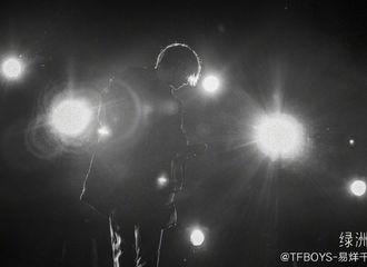 [TFBOYS][新闻]191222 易烊千玺绿洲更新分享彩排照 歌手易邀你今晚现场见!