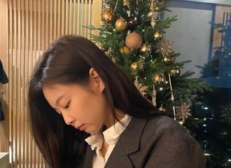 [BLACKPINK][新闻]191224 圣诞节一起过,Jennie开启ins暴风更新模式!