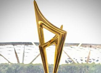[新闻]200117 恭喜邓伦《加油你是最棒的》荣获2019年度微博电视剧大赏十大人气剧集!