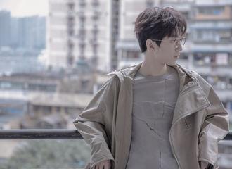 [新闻]200118 王俊凯校园系男友造型 心中的白月光没错了
