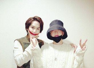 [分享]200214 演员安宰贤为super junior圭贤的音乐剧《笑面人》加油助威,深厚的友情让人羡慕不已