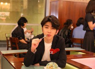 柠檬视频[分享]200215 蔡徐坤蛋炒饭刷屏朋友圈 同一个世界同一个男友