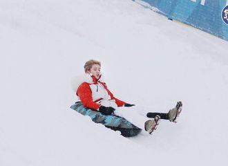 [分享]200216 鲜艳的雪中精灵鹿晗 天地间仅有这一种绝色