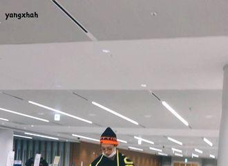 柠檬视频[新闻]200220 去年今日  赖冠霖现身仁川机场 无人拥挤小赖轻松展笑颜