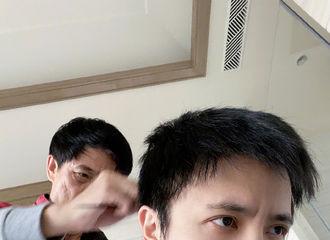 富二代app[新闻]200224 薛式理发店再次开门营业 二月二龙抬头薛老师又换新发型