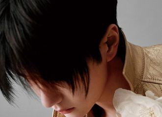 [新闻]200329 王一博解锁《SuperELLE》新刊封面 明天下午一起见证他的多面瞬间